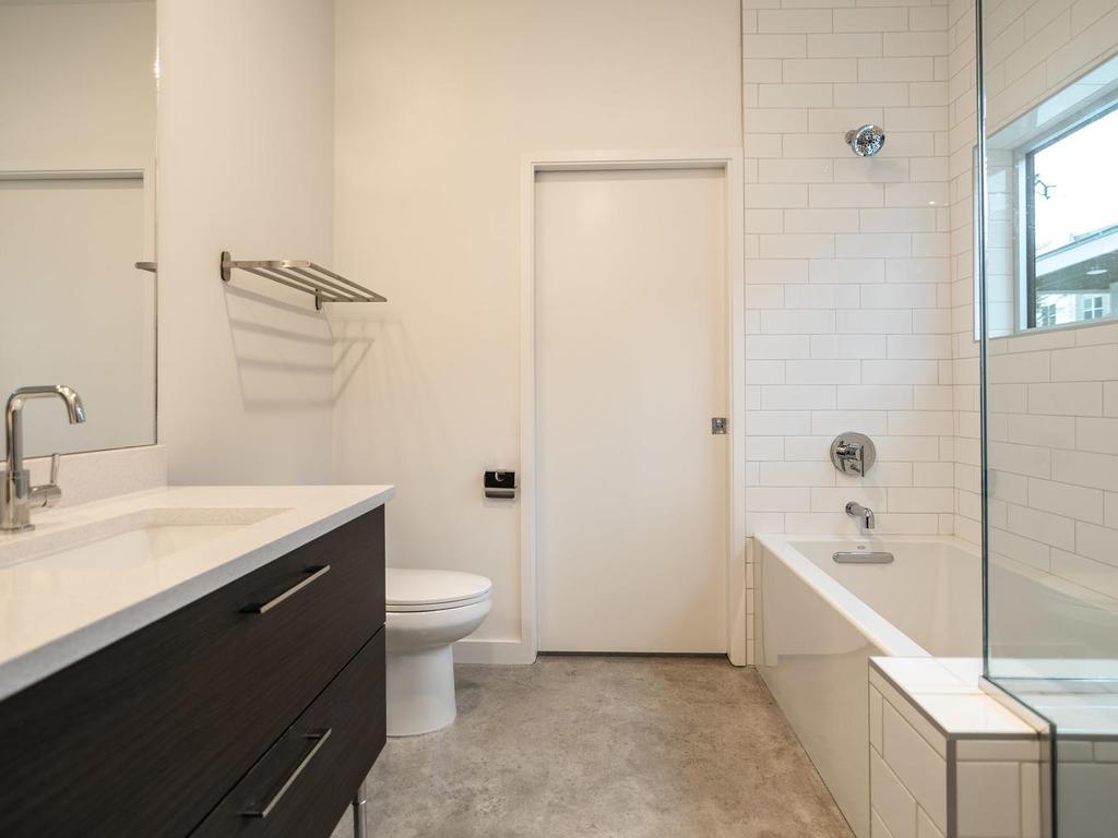 410 Post A Master Bath 3.jpg