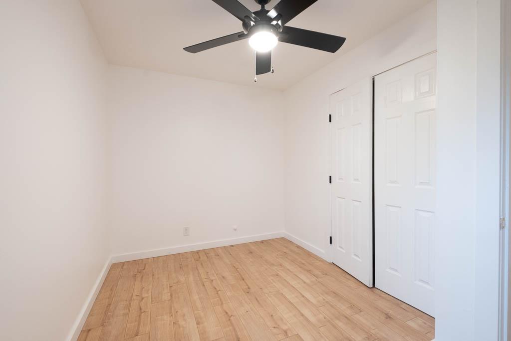 08 Extra bedroom 1-1.jpg