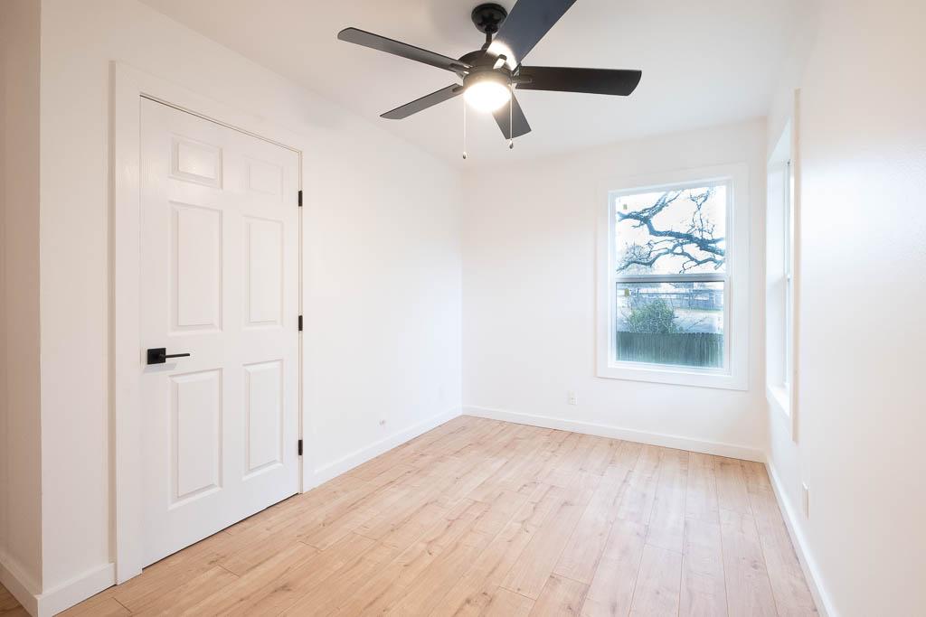 09 Extra bedroom 2-2.jpg