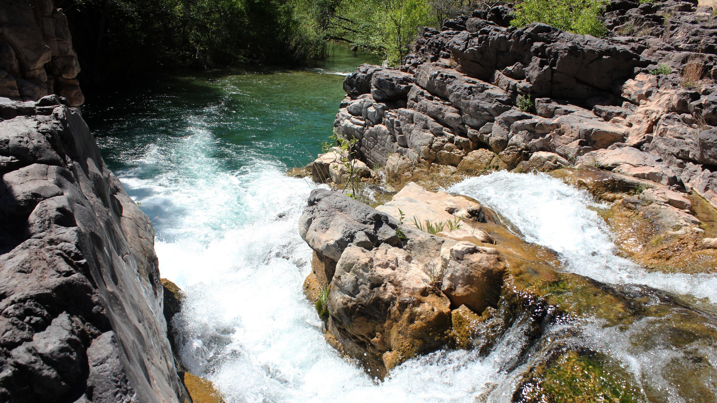 Waterfall1_2.jpg