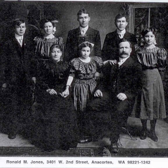 Johnson family photo, ~1906, Seattle, Washington. Half of my paternal relatives were immigrants from Norberg, Västmanland, Sweden who came to the Pacific Northwest at the turn of the century. They spent the Great Depression between Wallingford, Woodinville, and Soap Lake. The tall guy in the back middle is my great grandfather, Gustave (Gust!). Like the rest of the area settlers, they were loggers, shipyard workers, and sailors. Self-made and self-sufficient, these Swedes were likely not tripping over themselves to be your buddy - good thing dad married a fun Filipino. I'm glad these photos were saved because it reminds me that I come from the immigrant working class whose ethics and values were passed on through the generations.