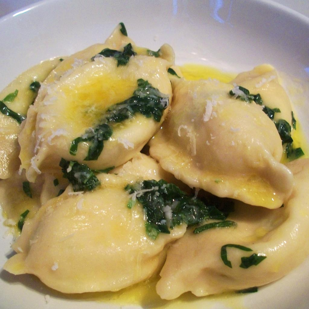 homemade-agnolotti-with-lemon-herb-butter-56352_100_4574_1024x1024.jpg