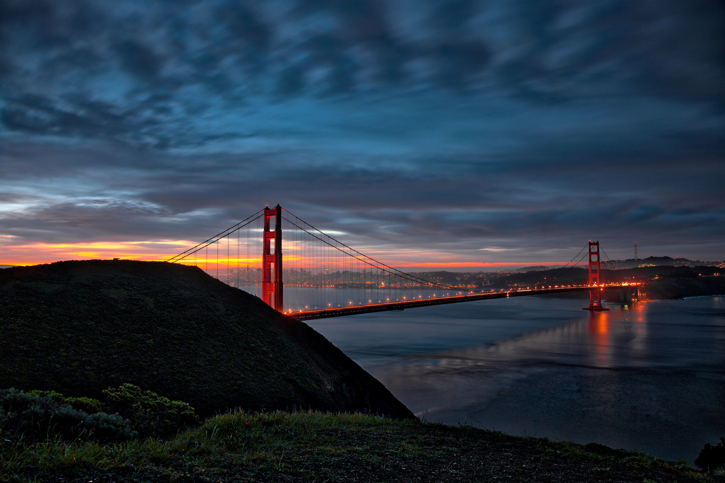 Goldengatebridgesunrise2_HDR.jpg