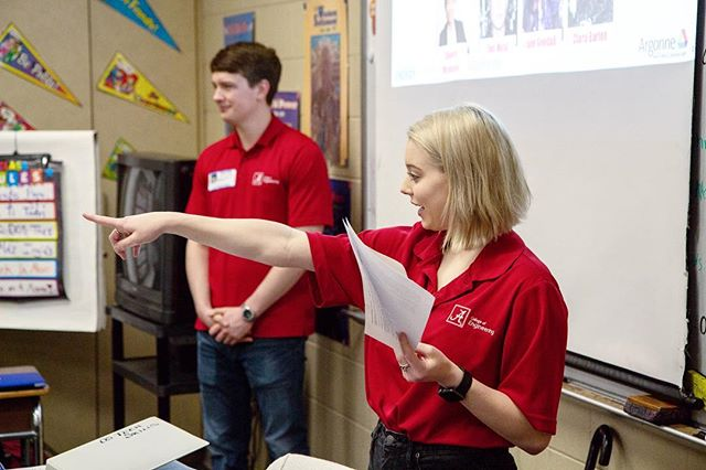 We love to see our team in action! Last week, EcoCAR started their EcoScholars program. Team members went to Tuscaloosa Academy to inspire local students to pursue careers in STEM. We can't wait to see all the benefits this program will bring!