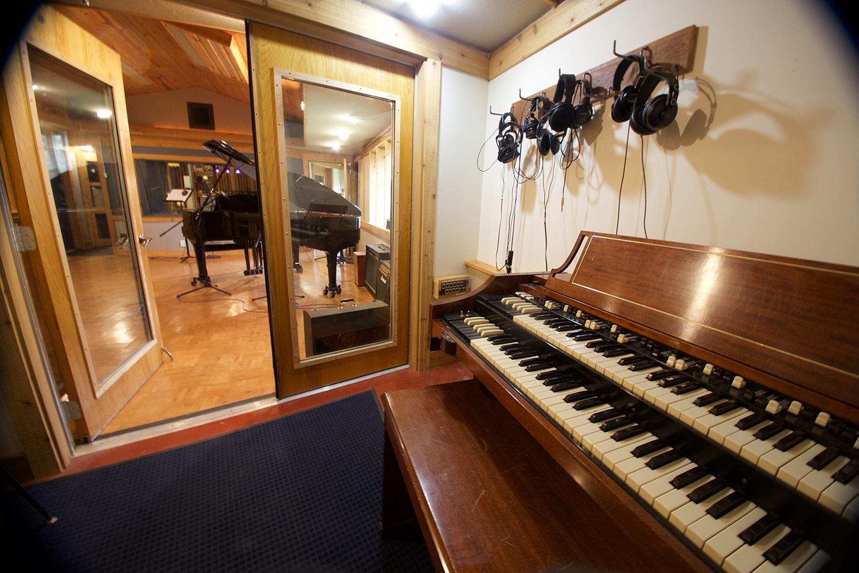 Hammond Organ web.jpg