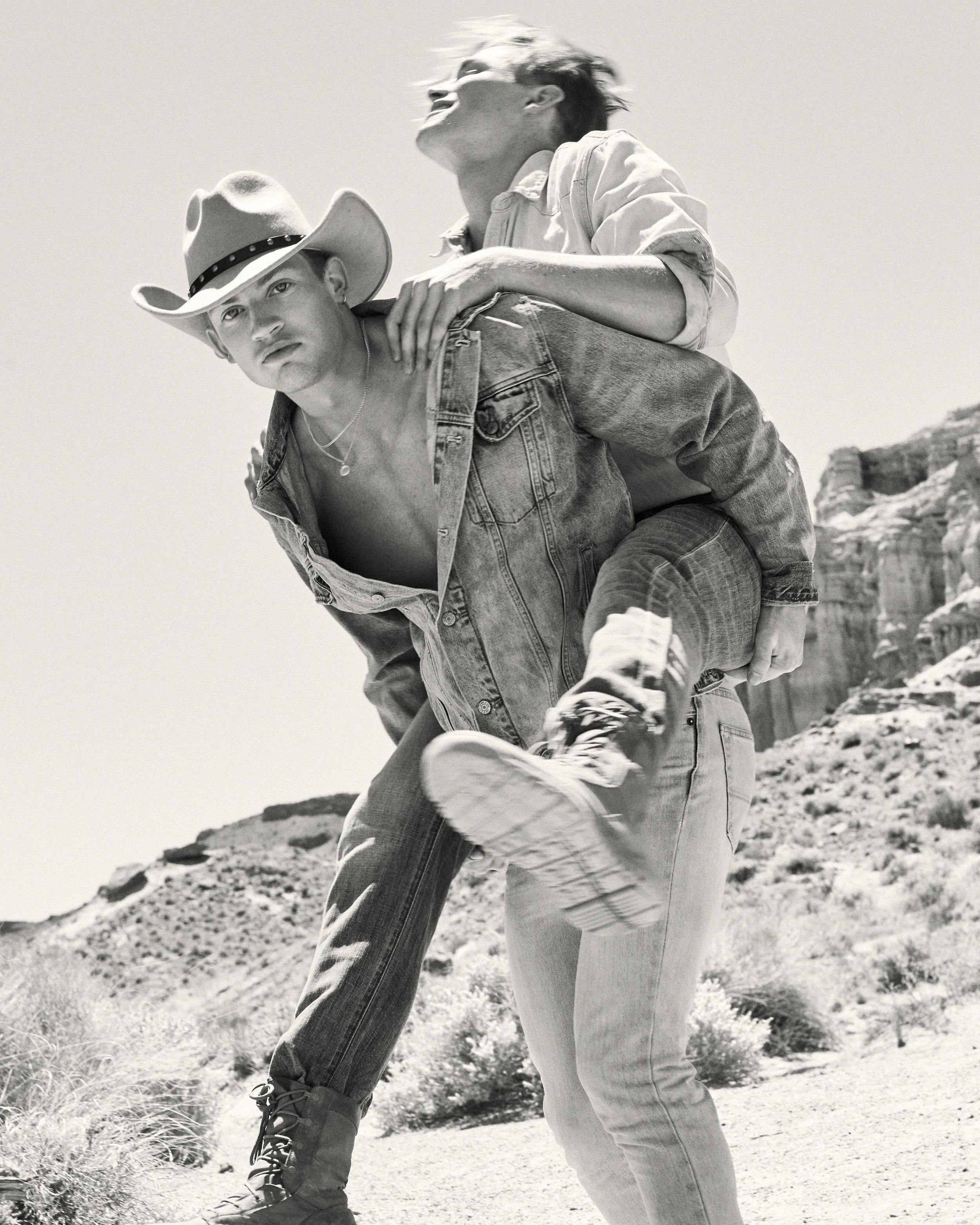 Hunter-Arthur-Piggy-Back-cowboys.jpg