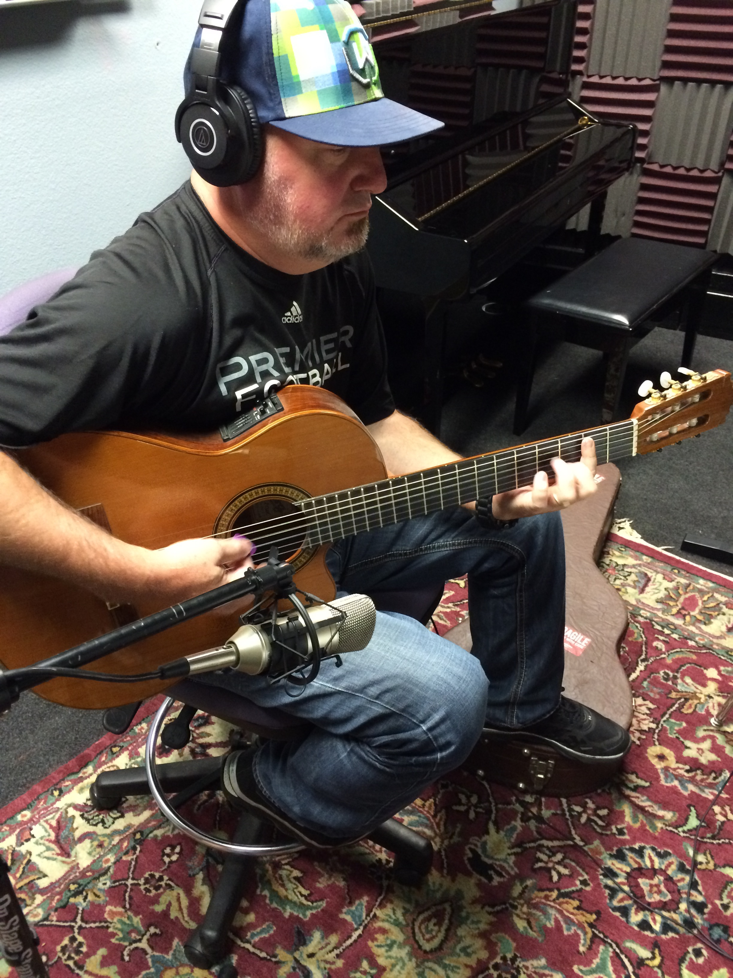 Guitarist in Studio