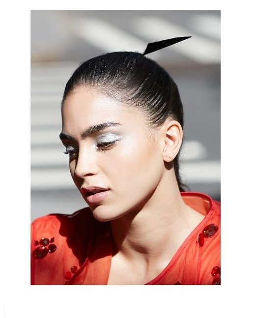 Pointer feather hair comb for Schon Magazine ・・・ #rp @schonmagazine ・・・ @vida_starz is the show letting a Latinx, queer family take centre stage and, at the on-screen core of it all, it's @melissabarreram  schonmagazine.com/interview-melissa-barrera/  photography. @heathergildroy fashion. @masayokishi talent. @melissabarreram hair. @andreasschonagel make up. @royliumakeup interview. @sara_delg  #SchonMagazine #MelissaBarrera #VidaSTARZ #STARZ #newseason #interview #fashioneditorial #fashion #beauty #OnlineExclusive  #makeup  #beautiful #photooftheday #hairaccessories #instafashion #inspiration #pic #picture #love #instagood #happy #style #photography #womenswear #hairstyling