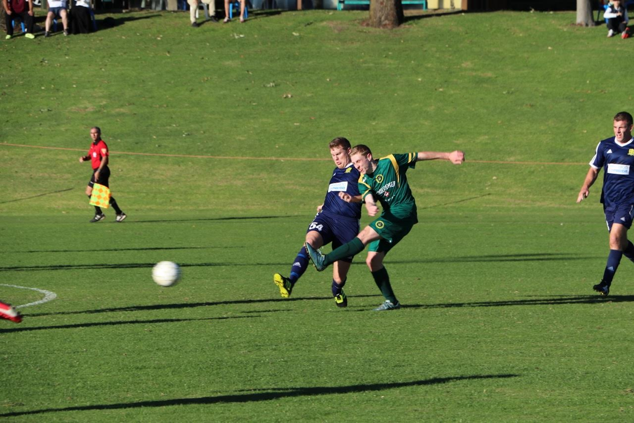 Kretowicz fires an effort on goal - Photo courtesy of Gabriele Malaga