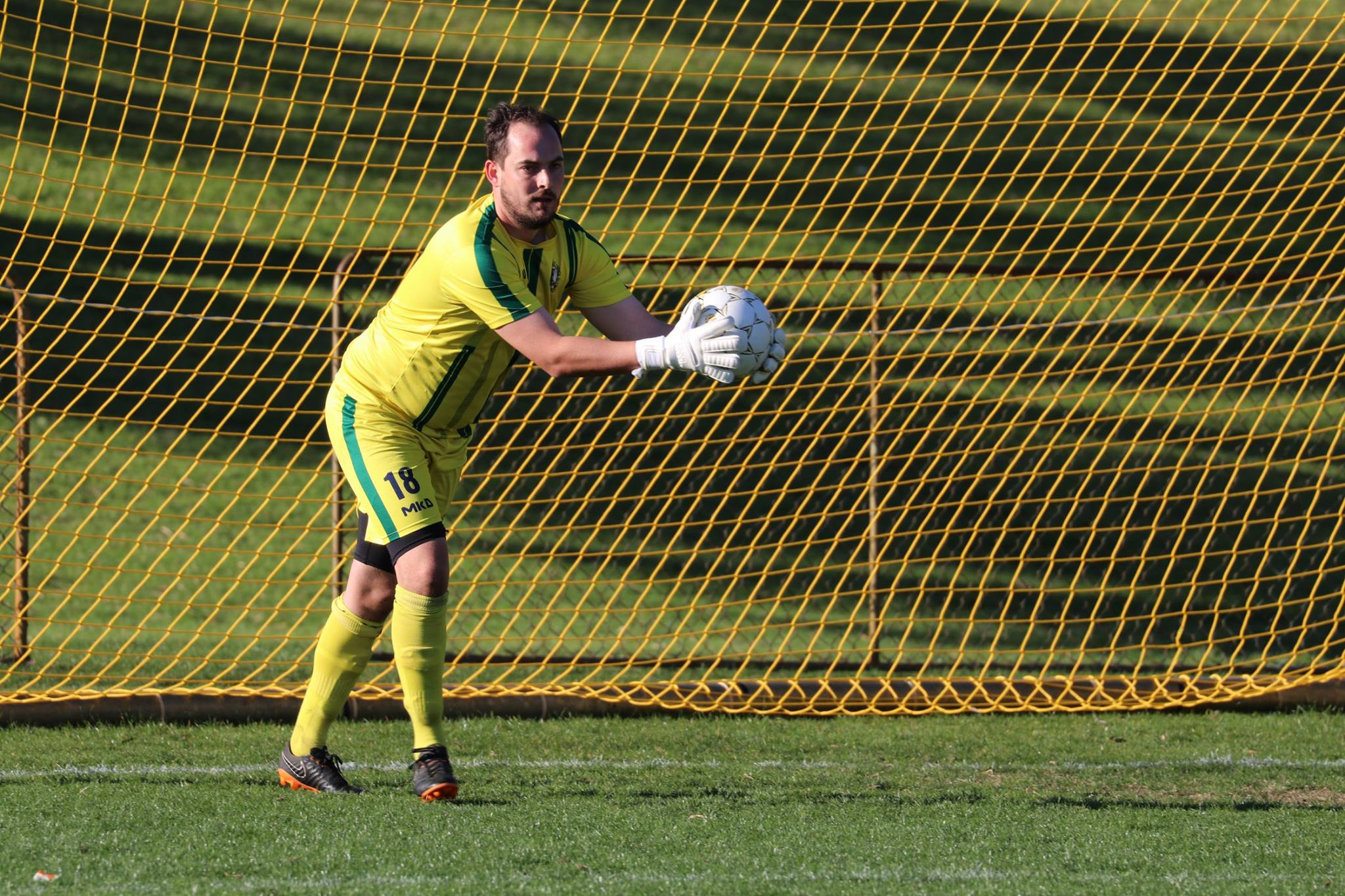 'KEEPER ALEX PREECE COLLECTS THE BALL AGAINST SOUTH WEST PHOENIX - CREDIT: GABRIELE MALUGA