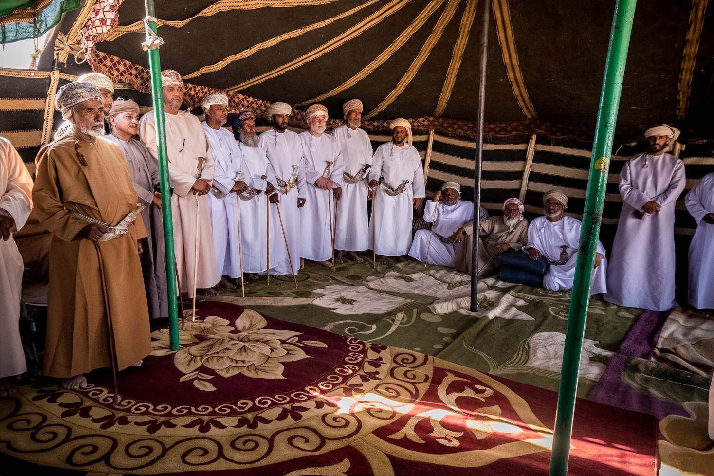 Bedouin_gathering_in_al_hashman_oman.jpg