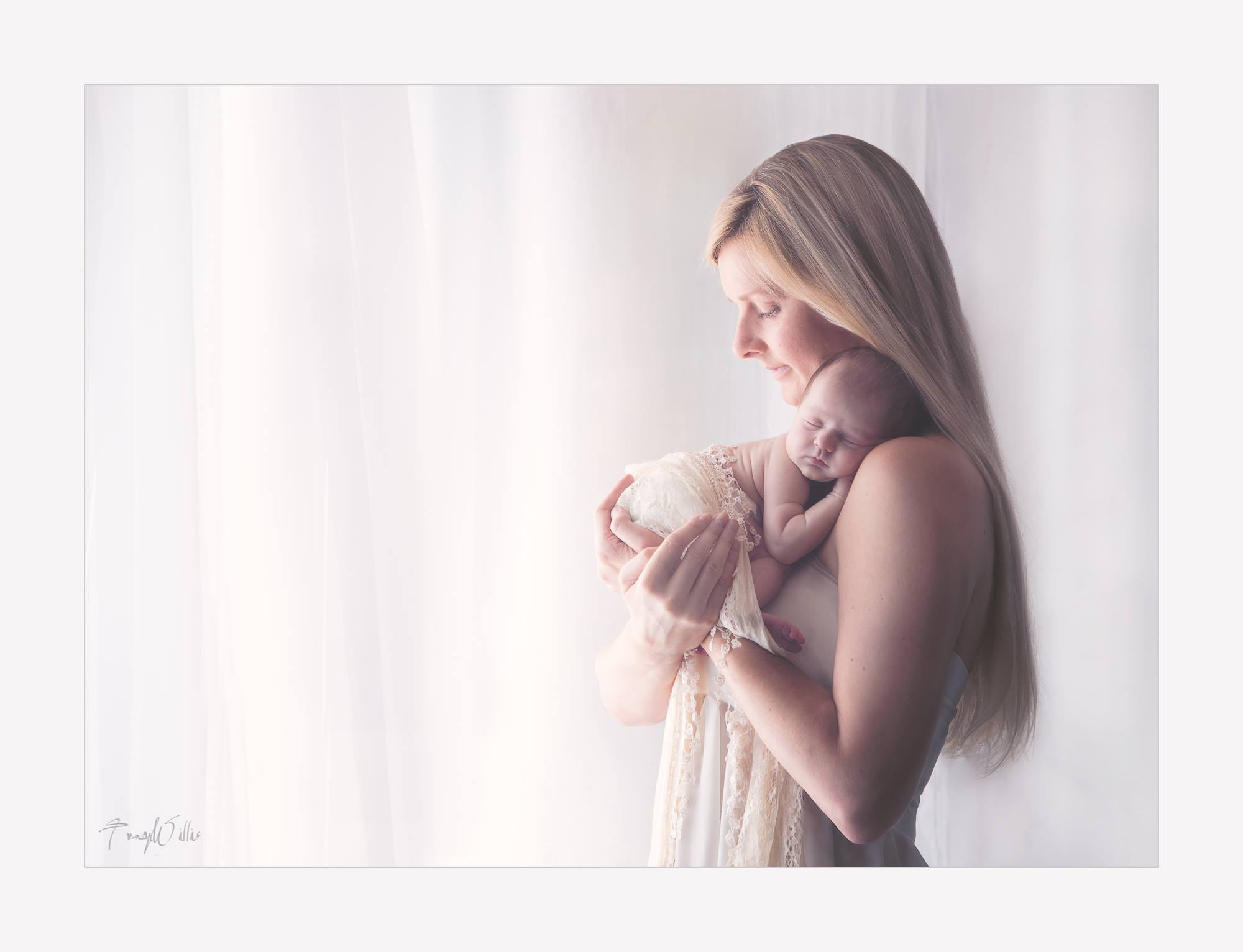 Mum and baby beautiful newborn photography - Bournemouth photography