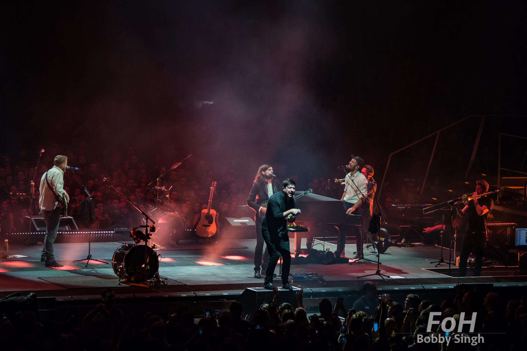 Mumford & Sons perform in Toronto. bobby Singh/@fohphoto