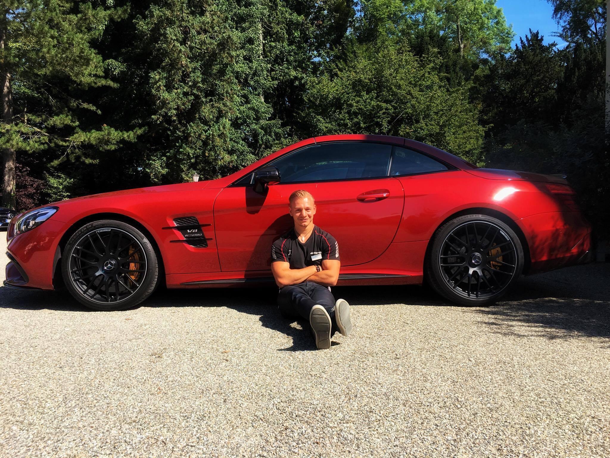 Läuft für Lucas Wolf 👍 https://www.facebook.com/Lucas-Wolf-Official-365405603487478/ Der bekannte Motorsportler und AMG Instruktor ist zurzeit jede Woche unterwegs und führt und organisiert regelmäßige AMG Performance Touren in ganz Deutschland durch. Die Events finden bei den zahlreichen Teilnehmern eine sehr positive Resonanz. Und ebenso seine beliebte Facebook Fan Page. Die Page hat aktuell schon 9146 Fans und in Kürze startet die nächste Social Media Kampagne......