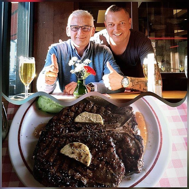 Treffen mit Lübecks bestem Friseur 💇♀️💇♂️und guten Freund Maik Gildhorn @gildhorn_intercoiffure im Block House in Essen 👍 im schönen Kohlenpott 😍 Zeit für gutes Fleisch 🥩😋und lecker Bierchen🍻#friseur #essen #lecker