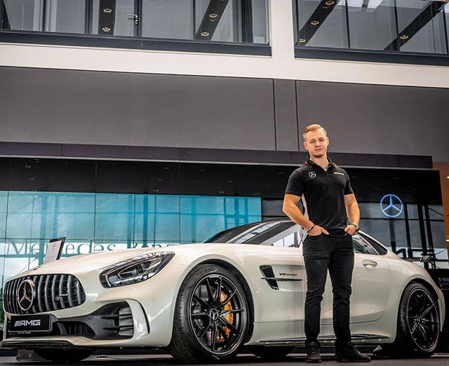 AMG Instruktor Lucas Wolf @lucaswolfofficial is ready for the next Trip to China 🇨🇳 Good Luck Lucas 👍😎🤛 #amg #mercedesamg #mercedes