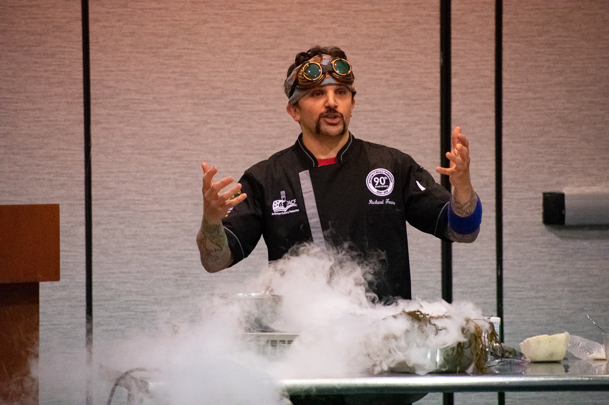 Immersive dining is more exciting with liquid nitrogen!