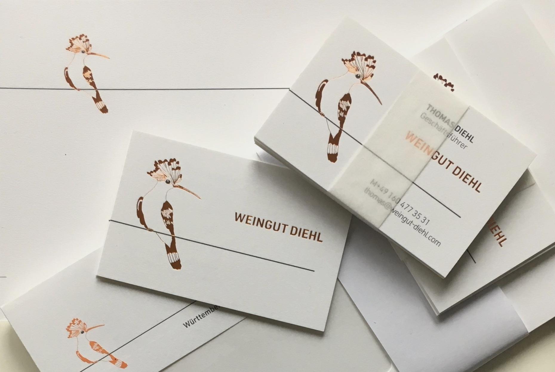 Weingut-Diehl-Visitenkarten-und-Briefpapier-mit-Wiedehopf-Design-Sabine-Mescher.jpg