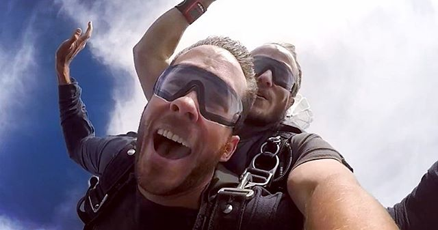 The solo adventures continue! Somehow convinced myself it was a good idea to jump out of a perfectly good airplane yesterday. Skydiving was something I've thought about doing for 10 years and I'm thankful I pushed myself to do it now. It was one of the most amazing experiences - the feeling is pretty much indescribable, but also one of the best feelings ever. 10/10 would recommend.