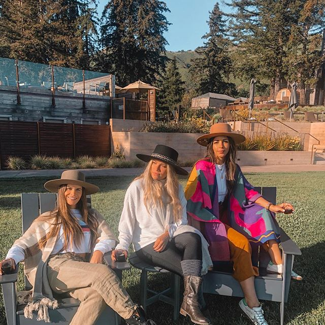 friends that go glamping together..definitely stay together😜🌲⛺️ 💫