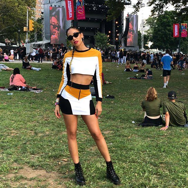 #MadeInAmerica 2018 🇺🇸 Outfit by @fashionnova . . . . #labordayweekend #novababe #festivalfashion #ootd #slay #braids #fashionnova #miafest #music