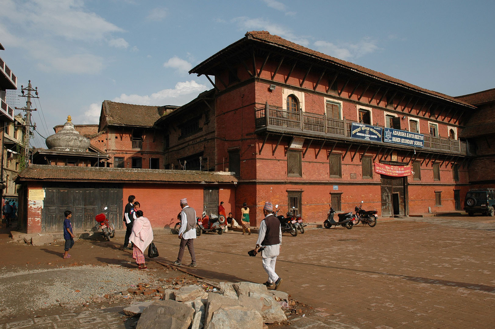 bahadur shah front facade.jpg