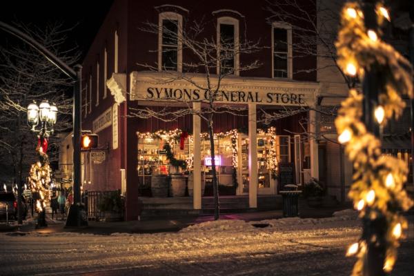 Downtown Petoskey Christmas-18.jpg