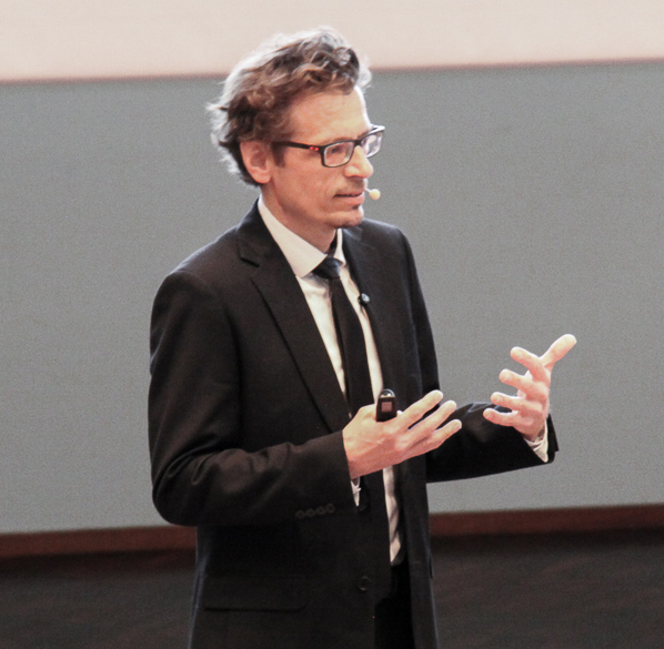 Professor Lasse Lipponen giving a keynote in ECDA Early Childhood Conference in Singapore, September 2014: The Incredible Early Years - Supporting Young Children's Development.