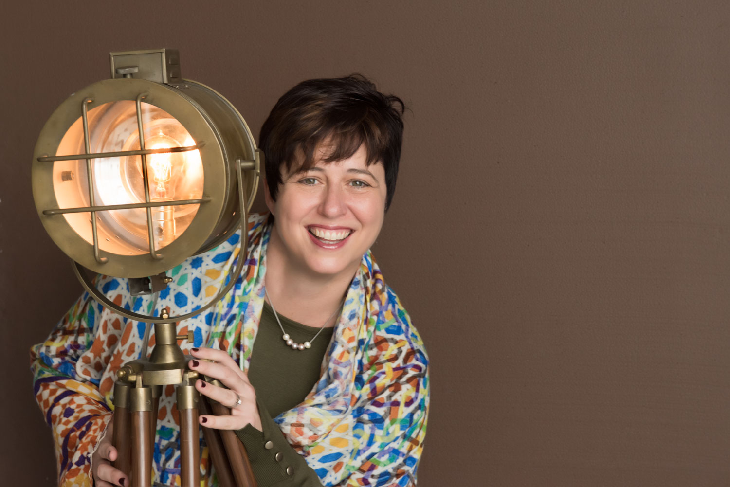 Jen shines a spotlight, revealing your path for business growth.