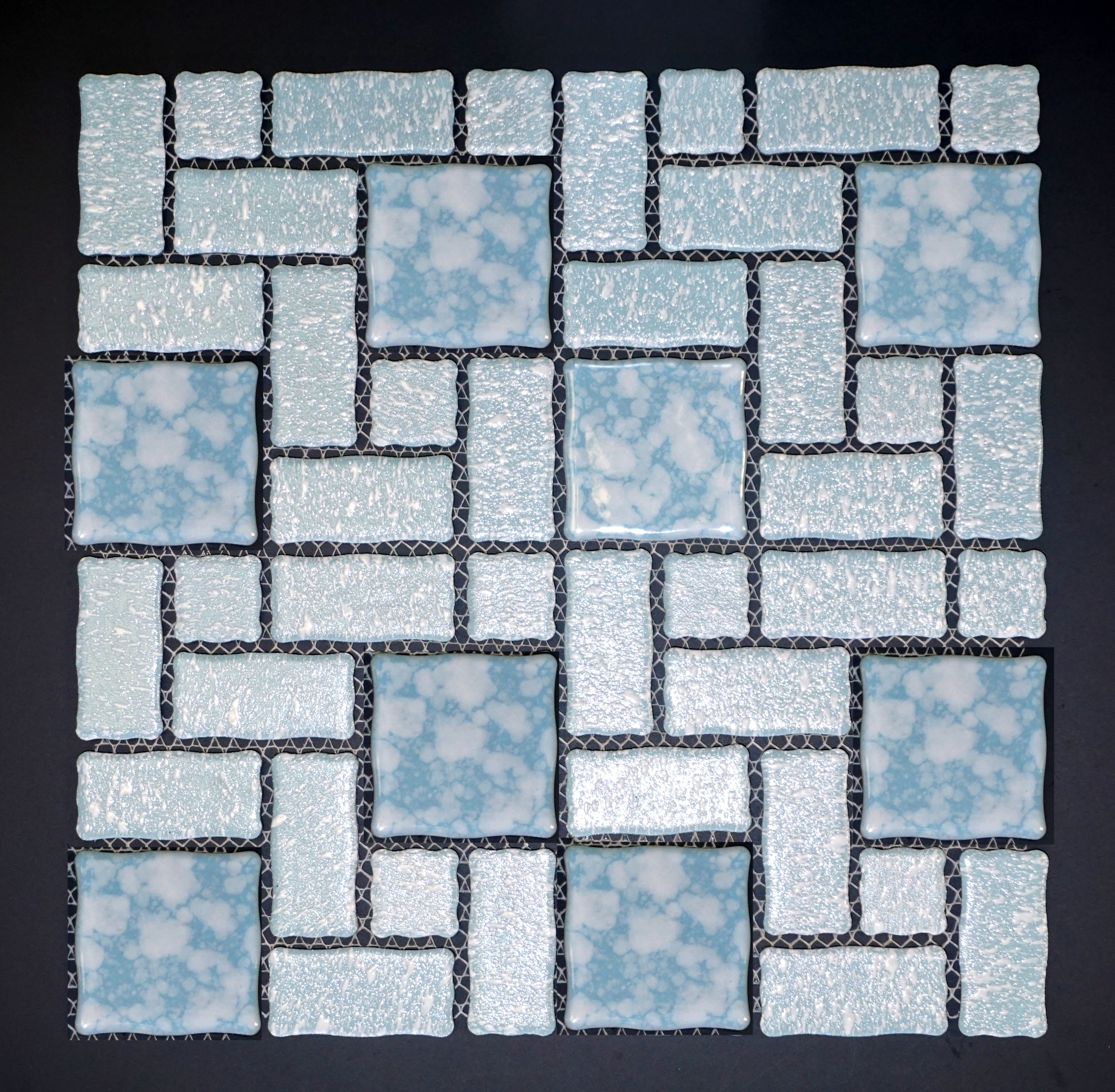 "TMR 418 - 2-1/4""  Bllue (Irregular Edge)   30 PC/CTN (30 SF);   36 CTN/PLT"