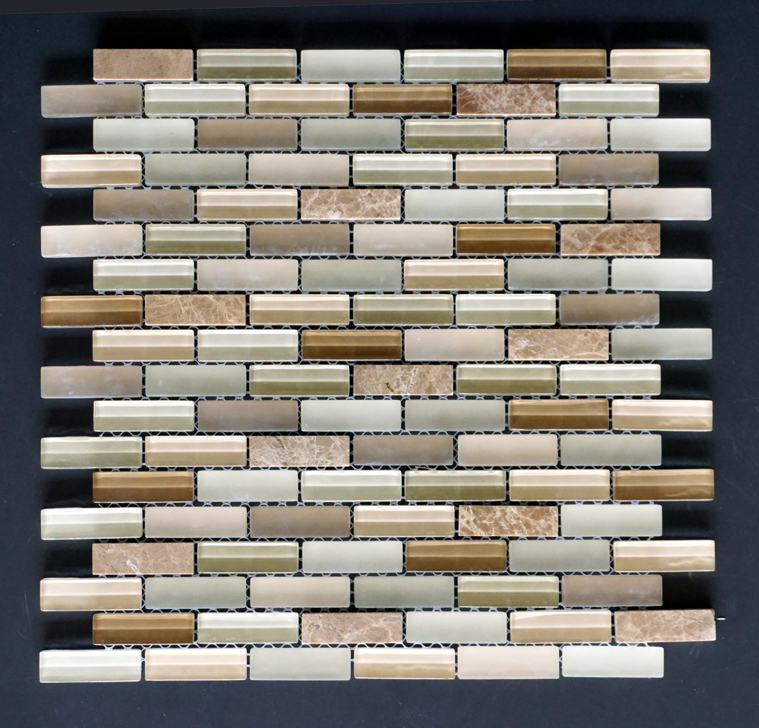 "MANHATTAN BEIGE BRICK 5/8""X2""   11 PC/CTN (10.76 SF);   72 CTN/PLT"