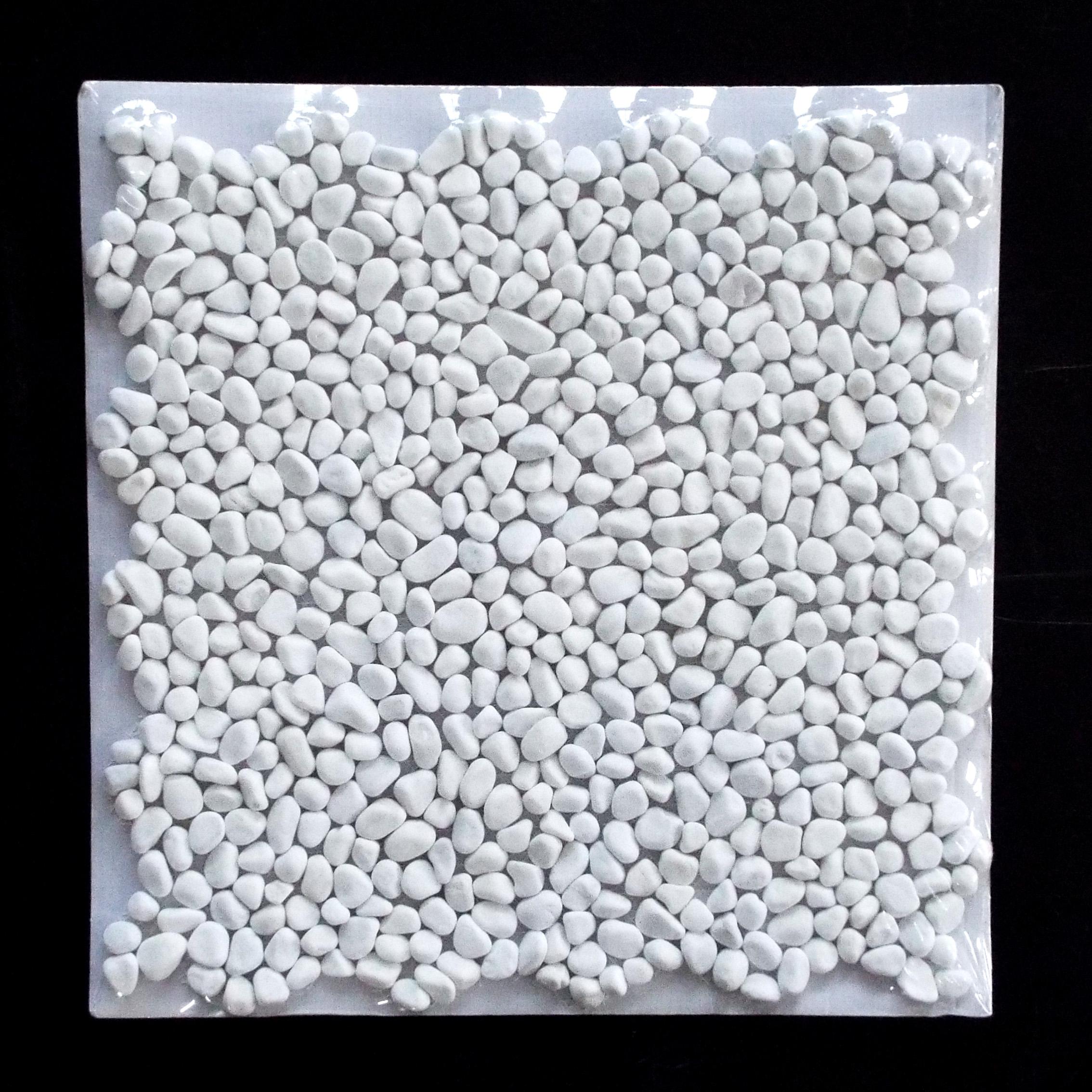 PEBBLE MINI - DOLOMITE   11 PC/CTN (10.76 SF); 50 CTN/PLT  * Each sheet is individually wrapped.