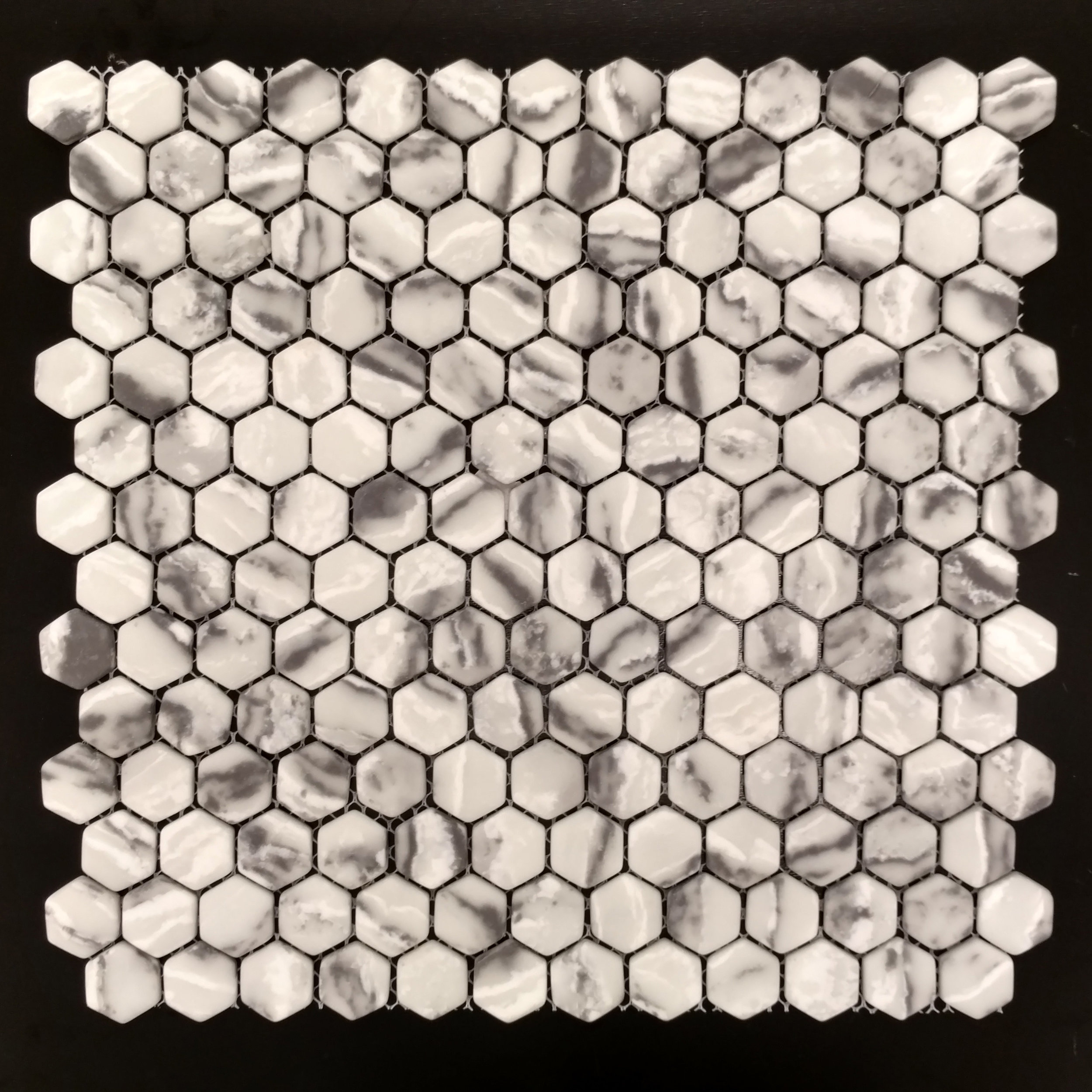 "MICRO CRYSTAL GLASS    7/8"" HEXAGON GREY  12 PC/CTN (11.73 SF); 72 CTN/PLT"