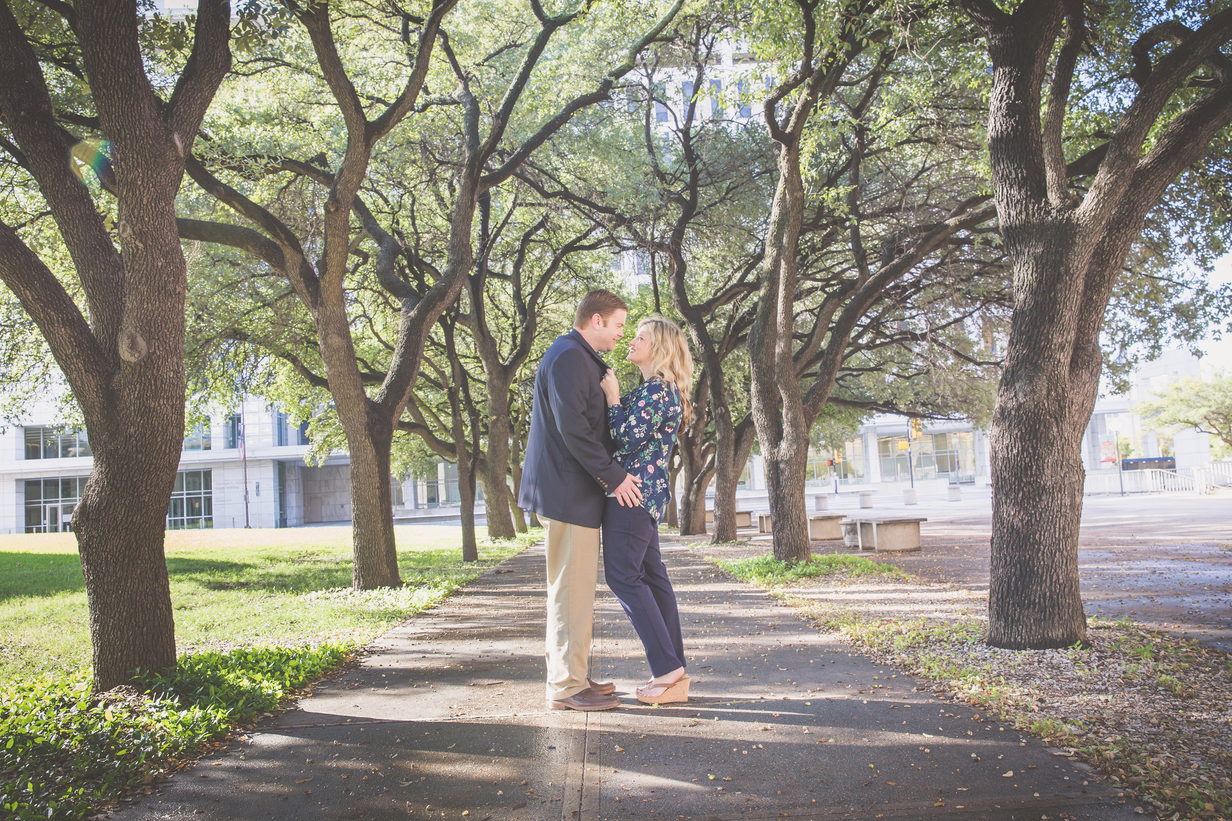 Dallas_West_End_Engagment_Photography.jpg