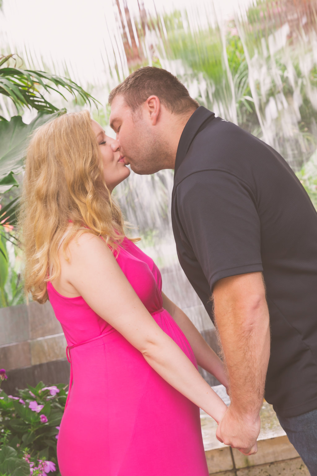 Maternity Photos at the Dallas Arboretum.jpg