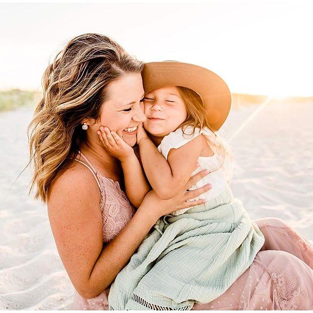 Mommas & the beach! My favorite things ✨