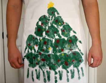 Handprint aprons kids can make