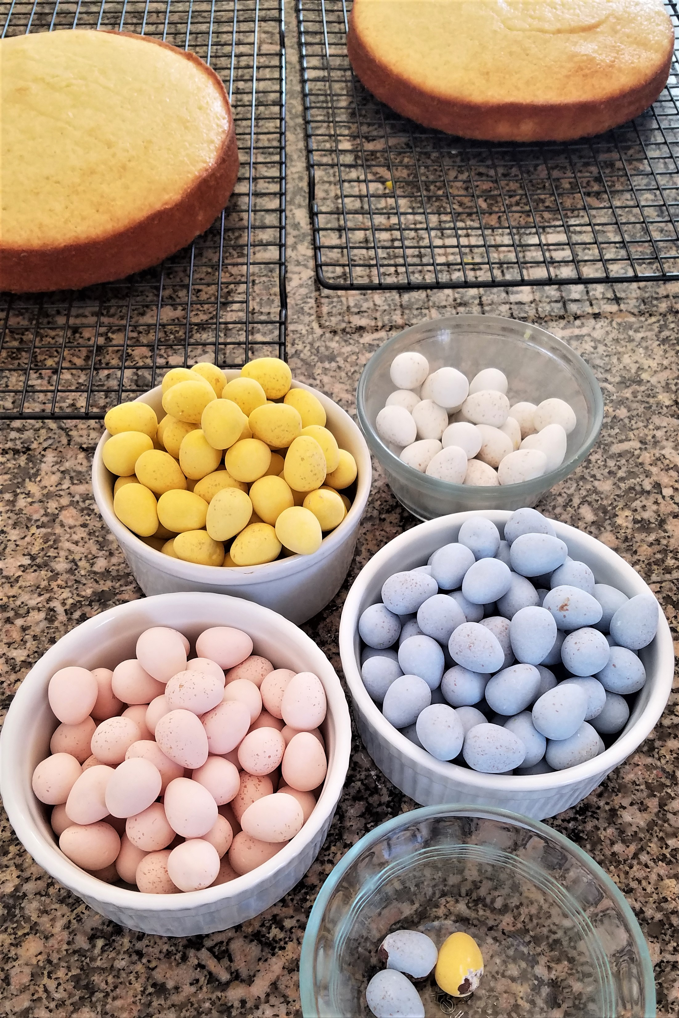 How To Make An Ombré Easter Cake: Get your kids to sort eggs!