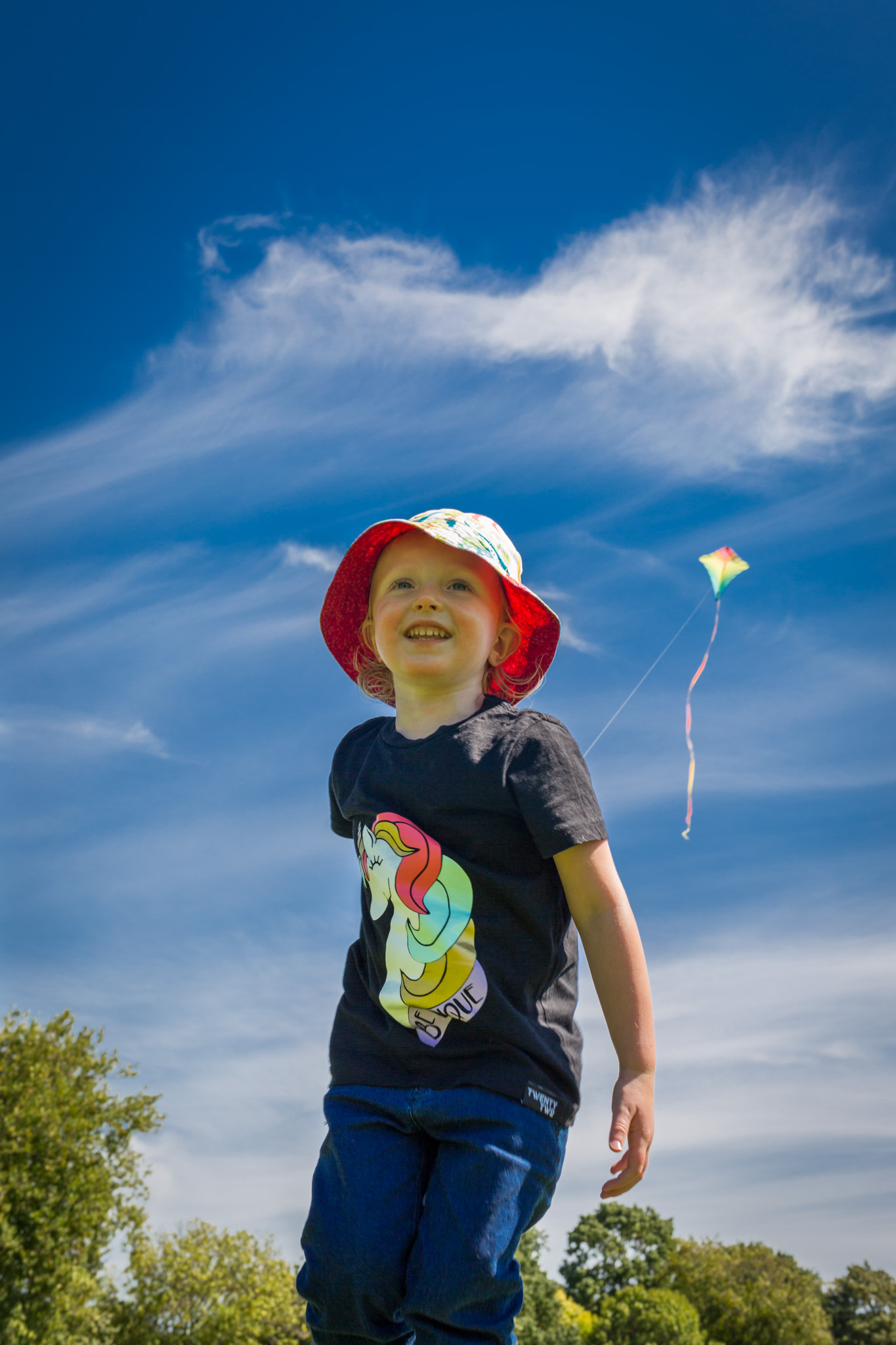Emily-flying-kite-01.jpg