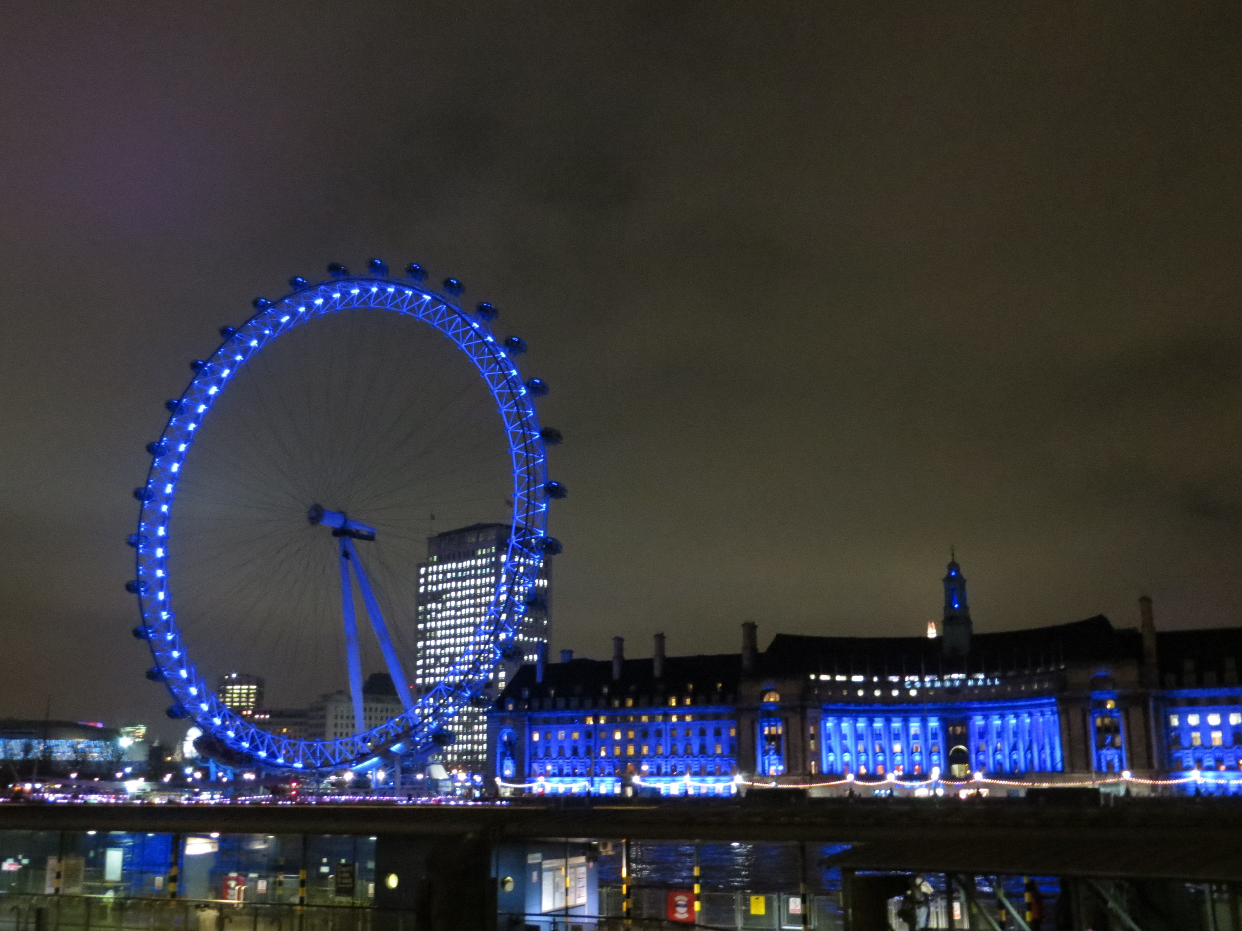 London is beautiful at night