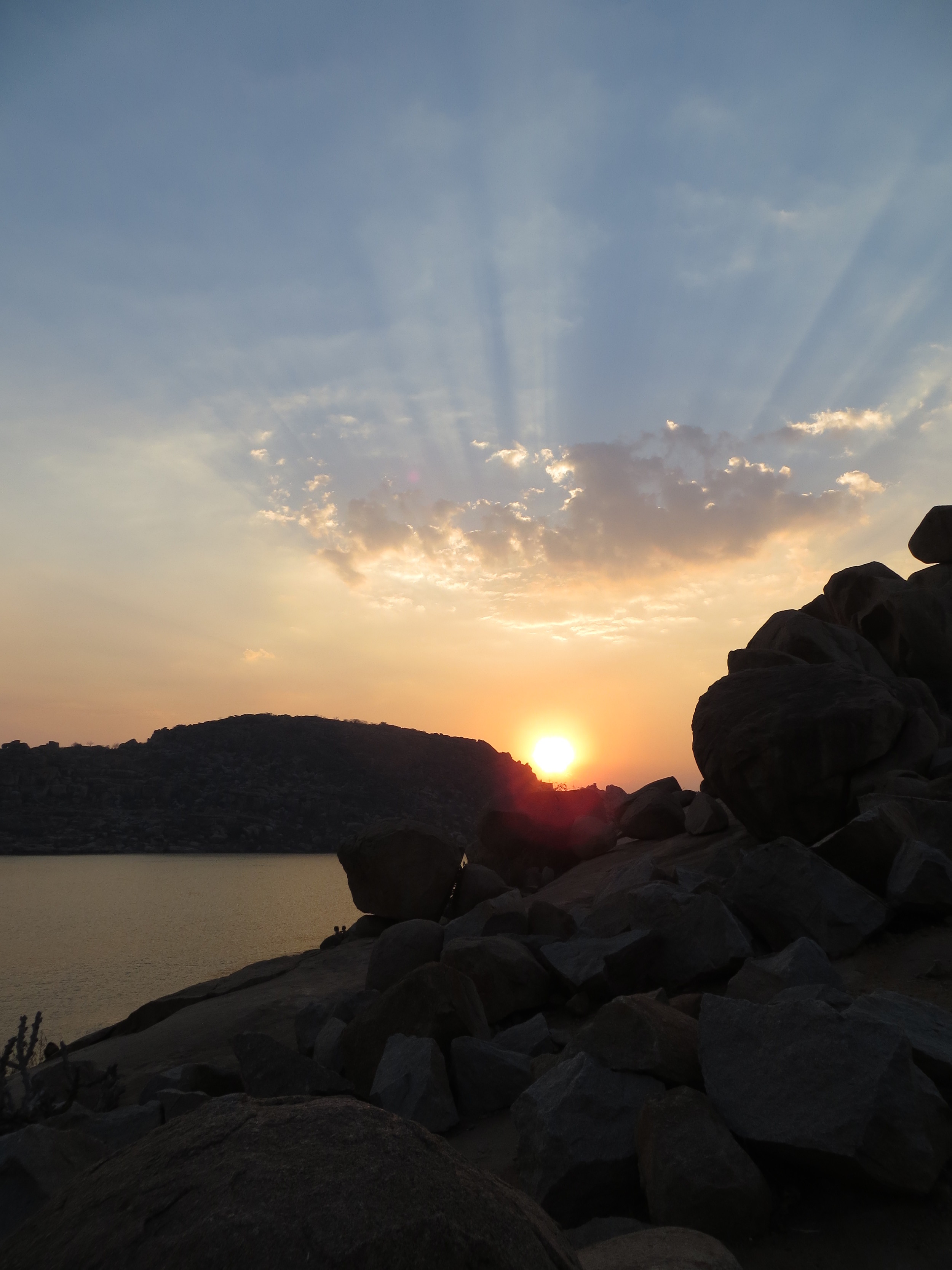 Beautiful sunset over the lake in Hampi!