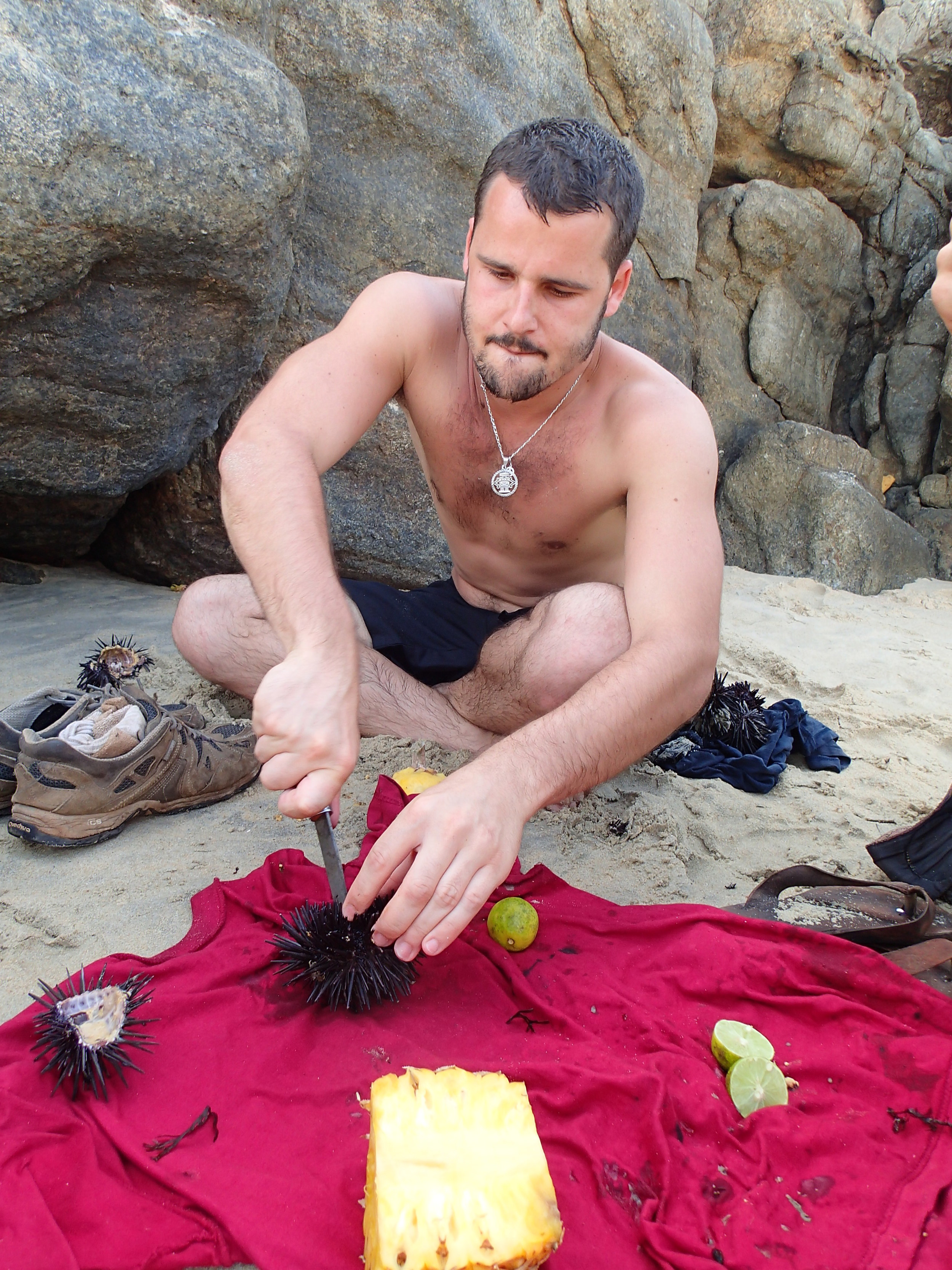 Sea Urchin: an improvised snack on the beach (leave it to a Frenchman...) I preferred the pineapple.