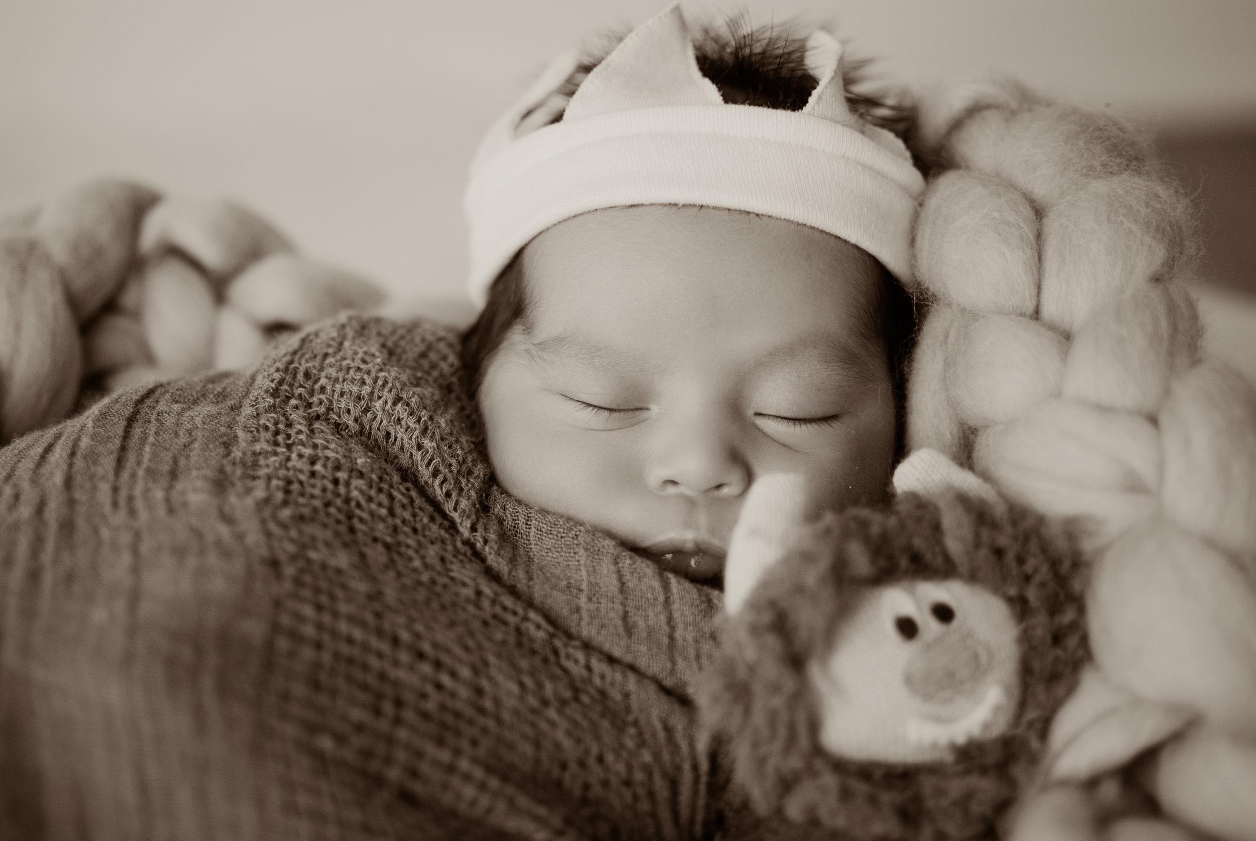 el-monte-vintage-newborn-photographer