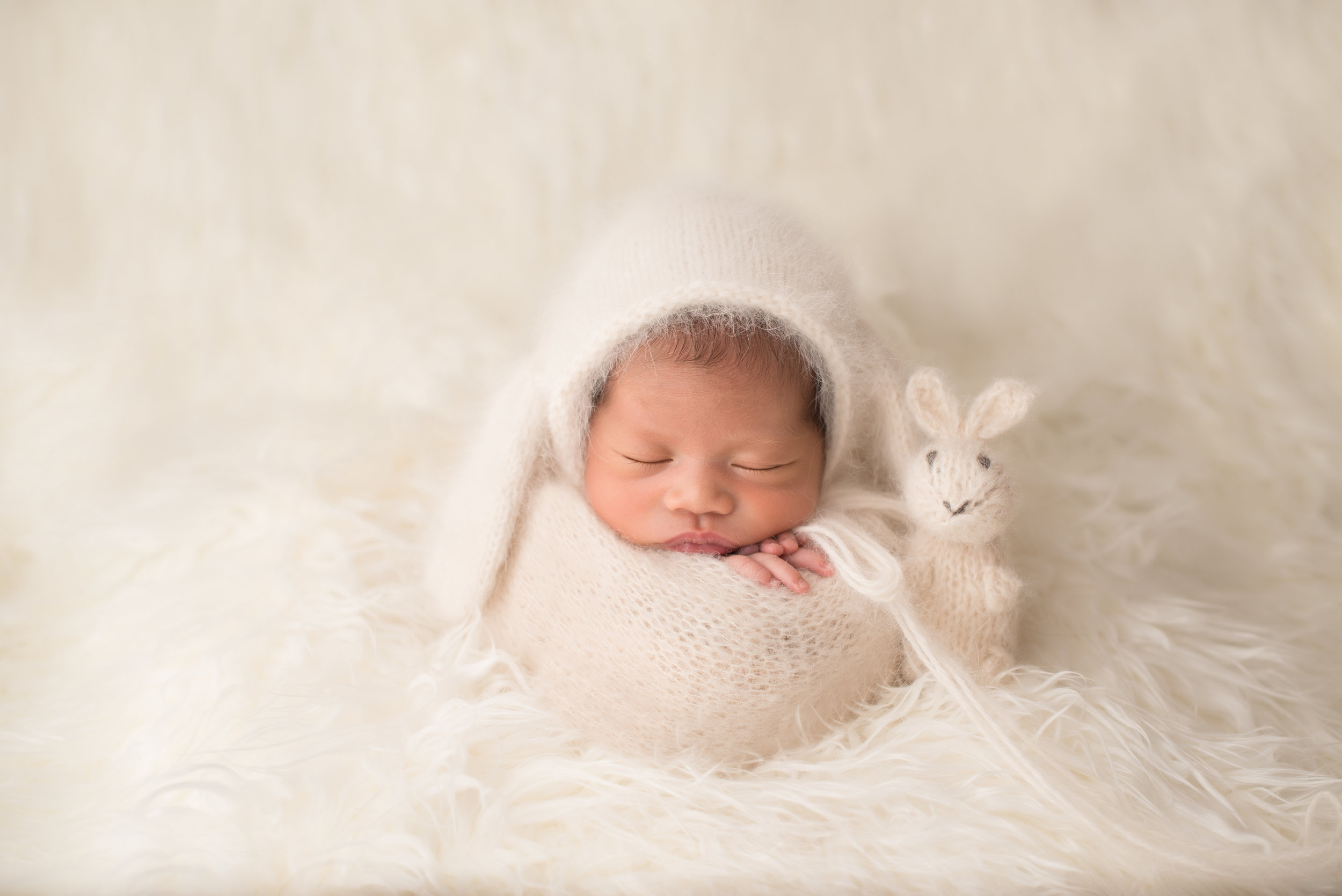 San-Gabriel-Boutique-Newborn-Photographer-curated-studio-newborn-session-baby-girl-109.jpg
