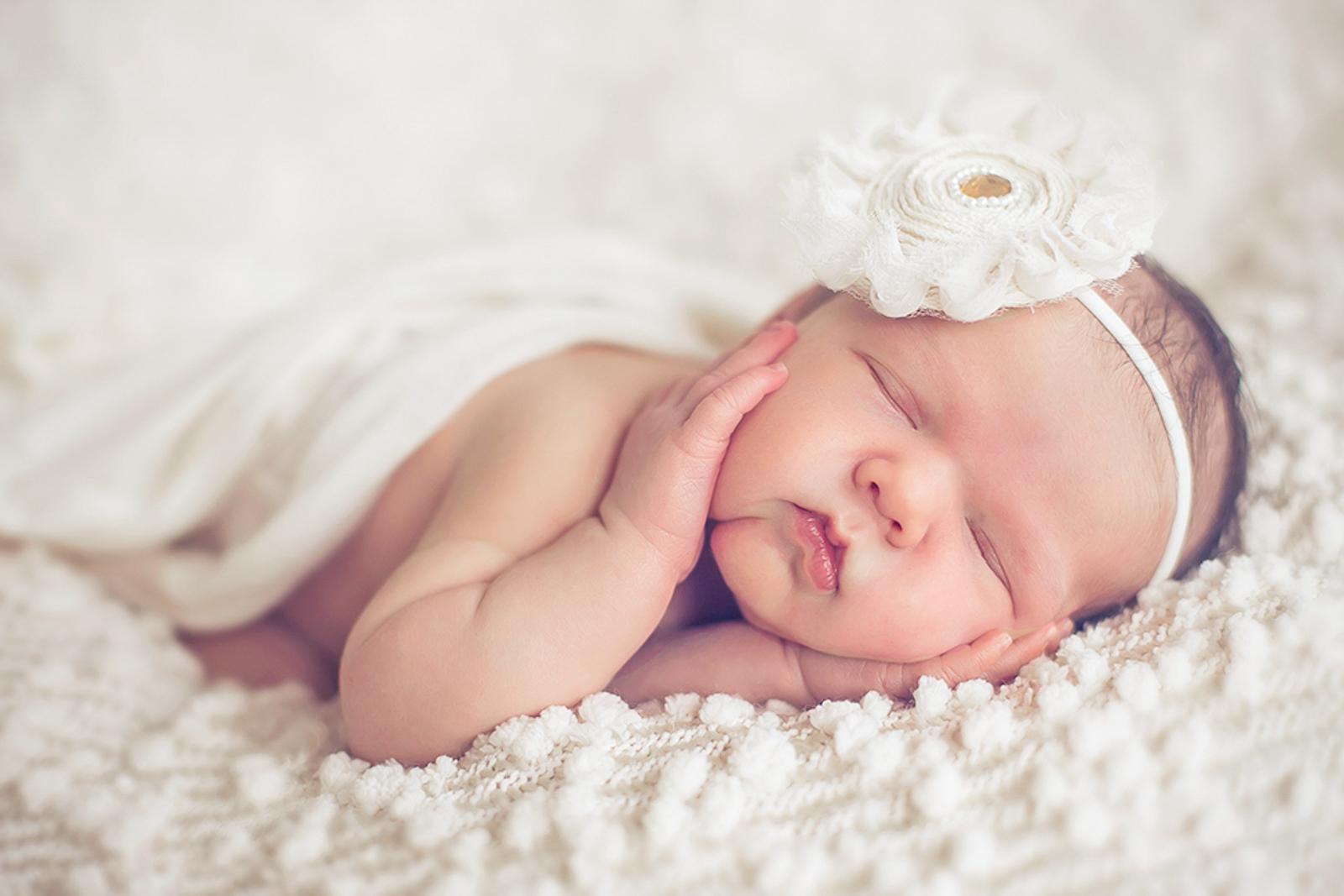 newborn-soft-studio-posed-109.JPG
