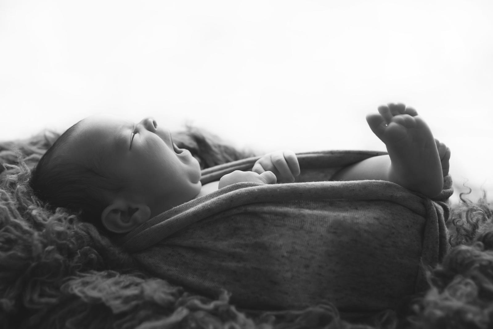 newborn-blackandwhite-studio-posed-122.JPG