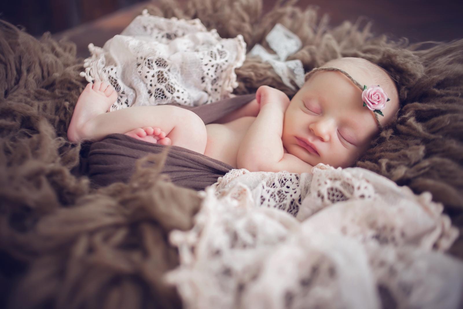 newborn-soft-studio-posed-130.JPG