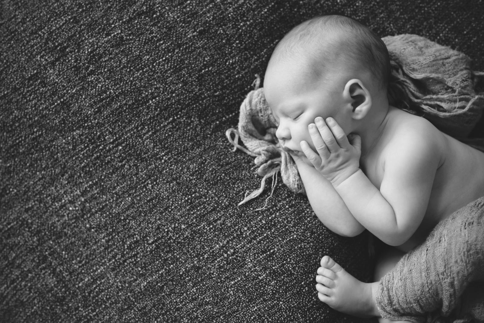 newborn-soft-studio-posed-178.JPG