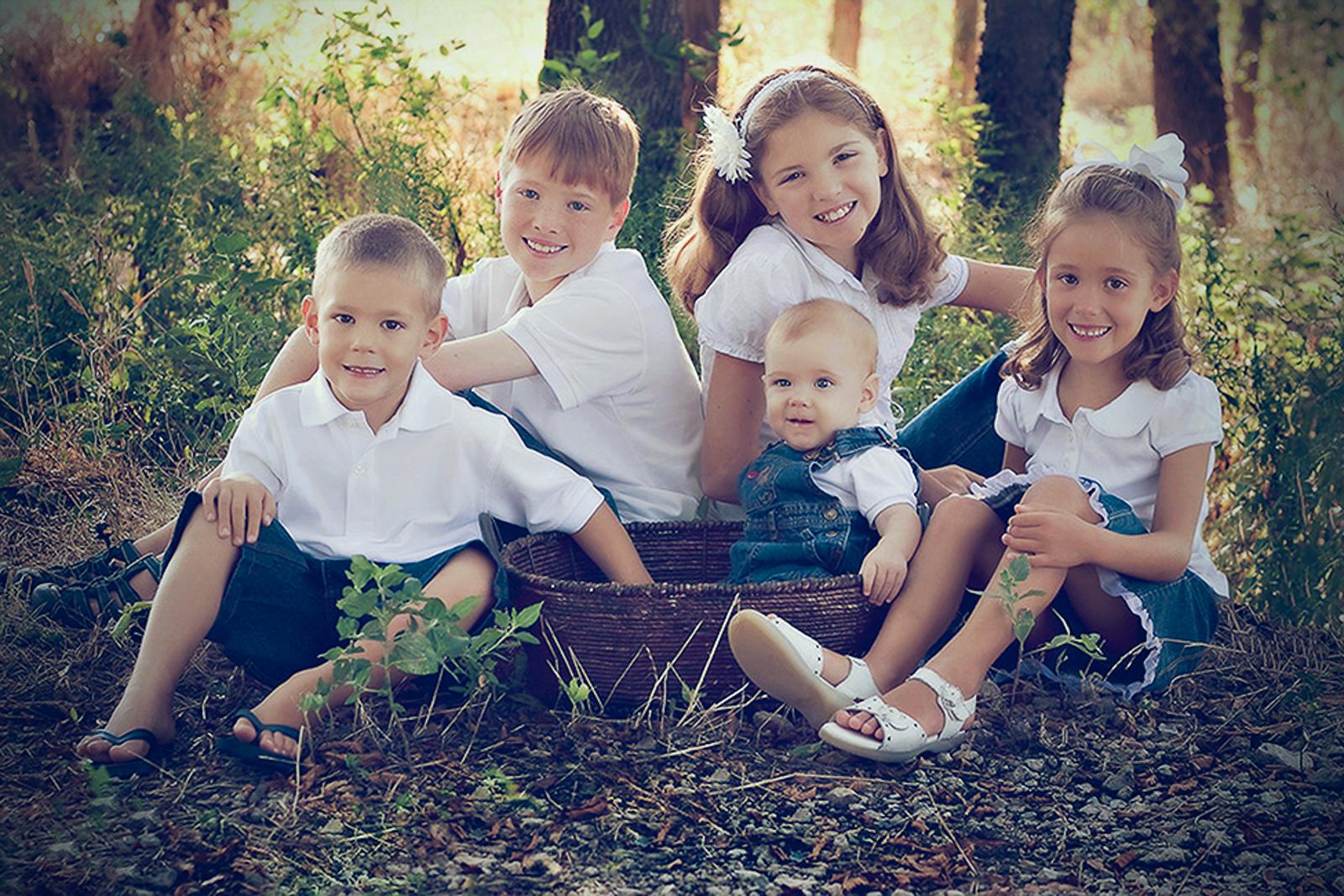 family-outdoors-light-portraits-108.JPG