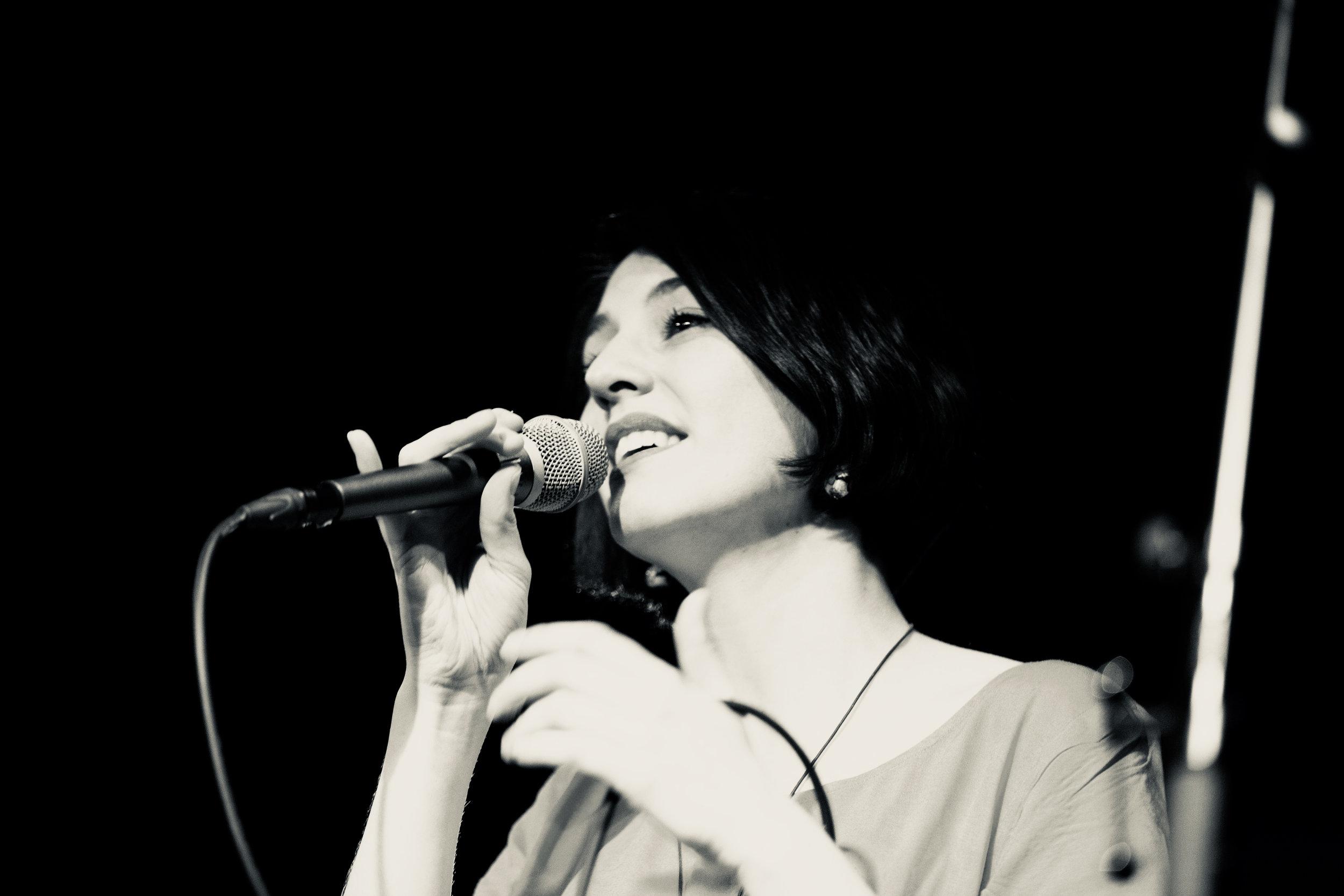 Yaëlle Ellen, Gesang